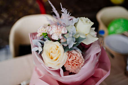 Photo pour bouquet of the pastel color flowers, yellow, white and pink.roses and carnations - image libre de droit