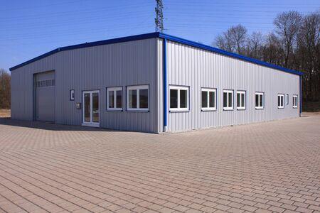 Photo pour New factory building - image libre de droit