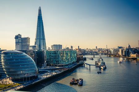 Photo pour Thames and London City - image libre de droit