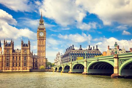 Foto de Big Ben and westminster bridge in London - Imagen libre de derechos