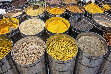 Photo pour Indian spices at the market in Dubai. - image libre de droit