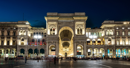 Photo pour Galleria Vittorio Emanuele II at night, Milan, Italy. It is a famous landmark of Milan. Panorama of the Piazza del Duomo in the Milan center at dusk. Beautiful old architecture of Milan in evening. - image libre de droit