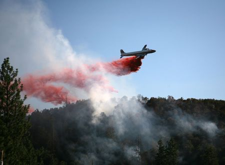 Borade Bomber Drops Fire Retardant on Wildfire in southern Oregon on July 25, 2007