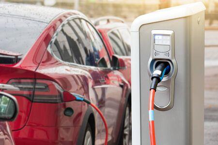 Foto de Charging station for electric car. - Imagen libre de derechos