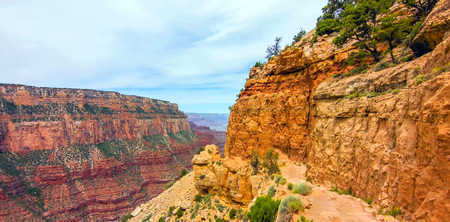 The South Kaibab Trail in the Grand Canyon National Park, USA.