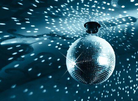 Photo pour Shiny disco ball on nightclub - image libre de droit