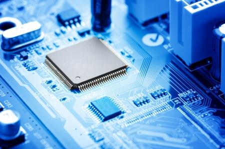 Photo pour macro image electronic circuit board with processor - image libre de droit