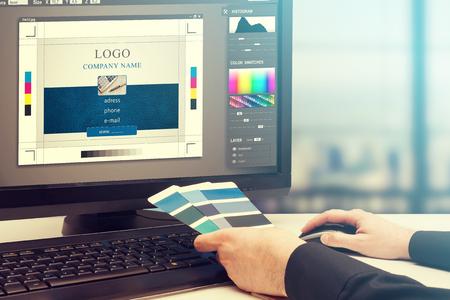 Photo pour Graphic designer at work. Color swatch samples. - image libre de droit