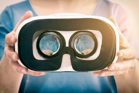 Photo pour virtual vr glasses goggles headset - stock image - image libre de droit