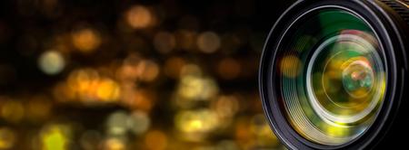 Photo pour Camera lens with lense reflections. - image libre de droit