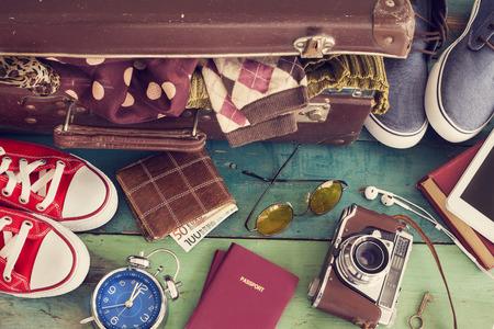 Photo pour Holiday suitcase - image libre de droit