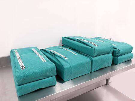 Foto für Wrapped Sterile Sets. Wrapped Sterile Instruments. - Lizenzfreies Bild