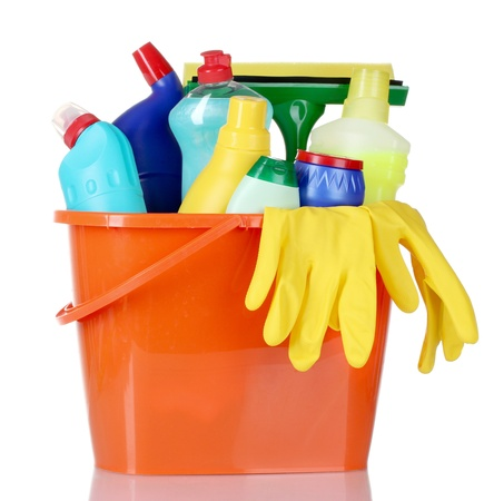Photo pour detergent bottles, brushes and gloves in bucket isolated on white - image libre de droit