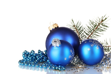 Photo pour Christmas ball and green tree on white background - image libre de droit