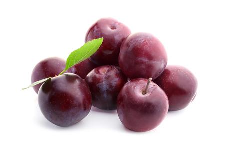 Foto de Fresh ripe plums on white background - Imagen libre de derechos
