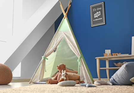 Photo pour Cozy play tent for kids in interior of room - image libre de droit