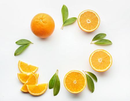 Photo pour Frame made of tasty ripe oranges on white background - image libre de droit
