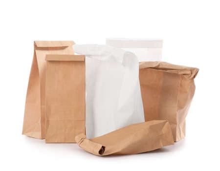 Photo pour Paper bags on white background - image libre de droit