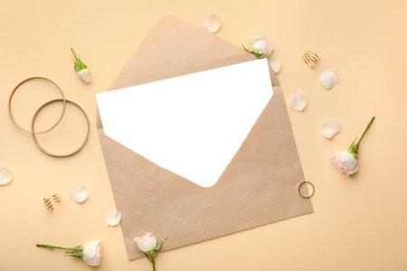 Photo pour Composition with blank card and envelope on color background - image libre de droit