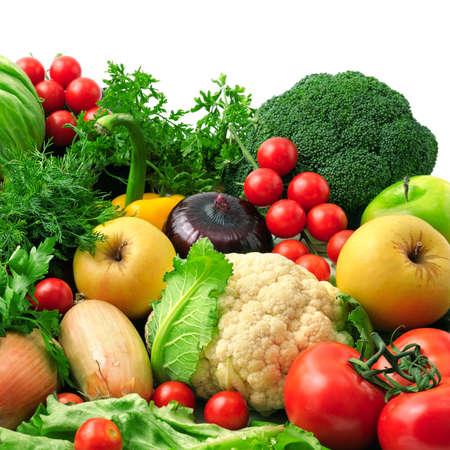 Foto de fresh fruits and vegetables isolated on white background - Imagen libre de derechos