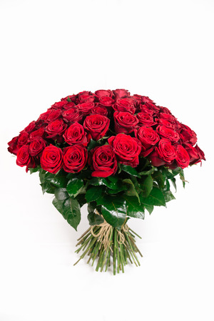 Photo pour Isolated large bouquet of 101 red rose isolated on white, vertical - image libre de droit