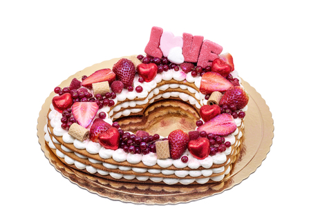 Photo pour Valentine cake with the word love and candy. - image libre de droit