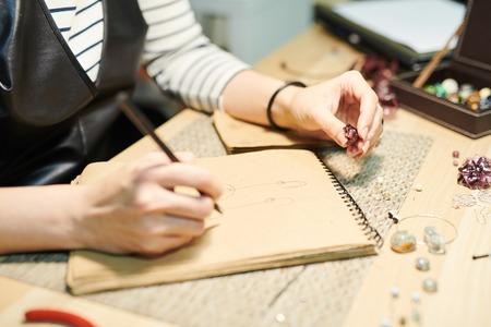 Photo pour Artist Creating Jewelry Closeup - image libre de droit