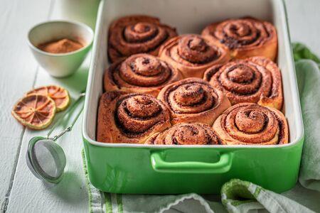 Photo pour Tasty cinnamon buns made of butter and sugar - image libre de droit
