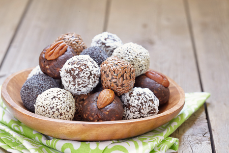 Foto für Homemade Healthy Paleo Raw Energy Balls with Nuts and Dates - Lizenzfreies Bild