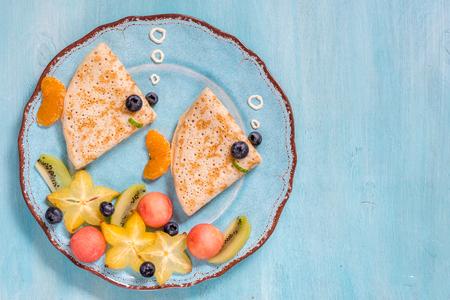 Foto de Funny crepes pancakes looks like a fish - Imagen libre de derechos