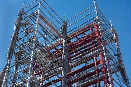 Photo pour Image of construction site and scaffolding - image libre de droit