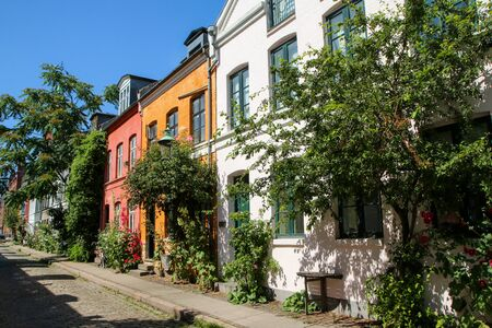 Photo pour The typical danish terraced houses with their colorful facades. Nice example of scandinavian design. - image libre de droit