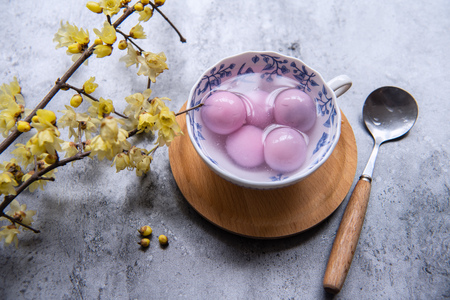 Photo pour Traditional chinese sweet rice ball - image libre de droit