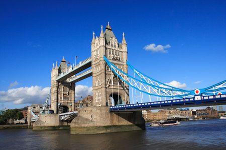 Photo pour iconic tower bridge of london united kingdom - image libre de droit