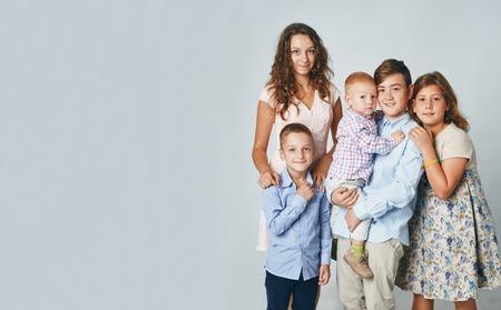 Foto de studio portrait of happy children of all ages - Imagen libre de derechos