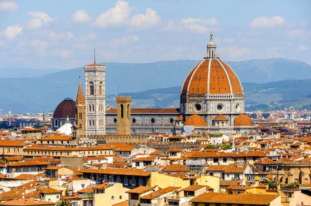 Foto de Cathedral of Santa Maria del Fiore in Tuscany, Florence, Italy. View from the Michelangelo Square - Imagen libre de derechos