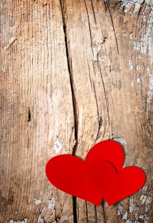 Foto per San Valentino Vintage Handmade Coppia Hearts su sfondo in legno  - Immagine Royalty Free
