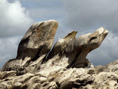 Steine ragen wie Haende gen Himmel