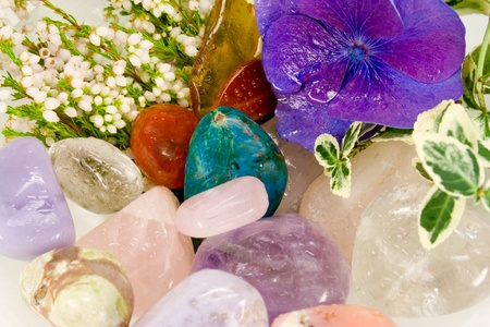 Gemstones for therapy with blossoms
