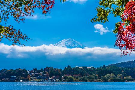 Foto für Beautiful landscape of mountain fuji with maple leaf tree around lake in autumn season - Lizenzfreies Bild