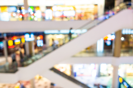 Photo pour Abstract blur and defocused shopping mall and retail interior of department store for background - image libre de droit