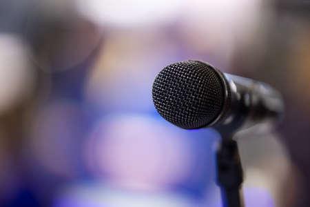 Photo pour microphone over stage light background. with copyspace - image libre de droit