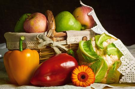 Foto für Still Life of Vegetables and Fruits - Lizenzfreies Bild