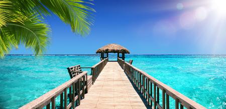 Photo pour Input Dock For The Tropical Paradise - image libre de droit