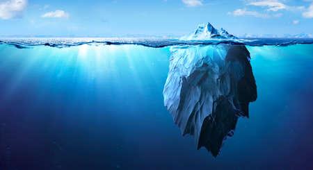 Photo pour Iceberg - Underwater Risk - Global Warming Concept - 3d Rendering - image libre de droit