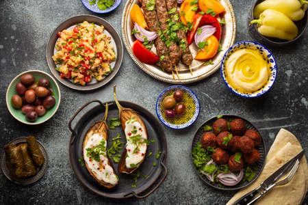 Photo pour Middle eastern dinner table - image libre de droit