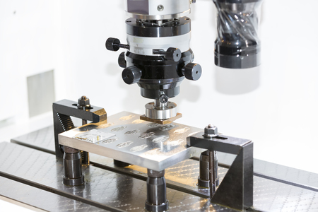 operator use graphite EDM electrod to make precision mold and die