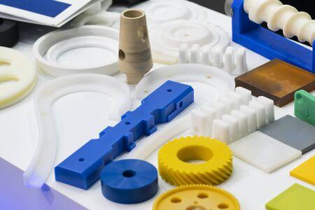 Foto de high precision aluminium rubber and plastic automotive part manufacturing by casting and machining - Imagen libre de derechos
