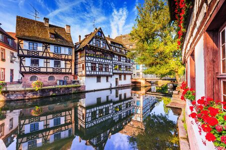 Photo pour Strasbourg, Alsace, France. Traditional half timbered houses of Petite France. - image libre de droit