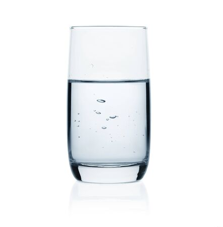 Foto de Glass of water isolated on white background - Imagen libre de derechos